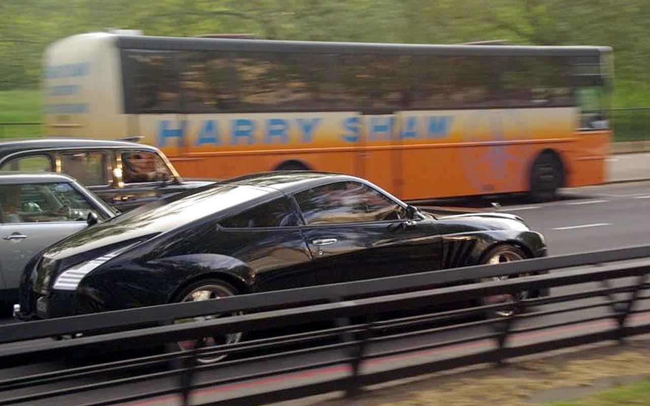 dc design rolls royce in london designer dc ... à la porte de u201clu0027usineu201d u201cDC Designu201d en 2002 pour construire le  concept-car Vantage qui sera présenté au Salon automobile de Detroit en  janvier 2003.