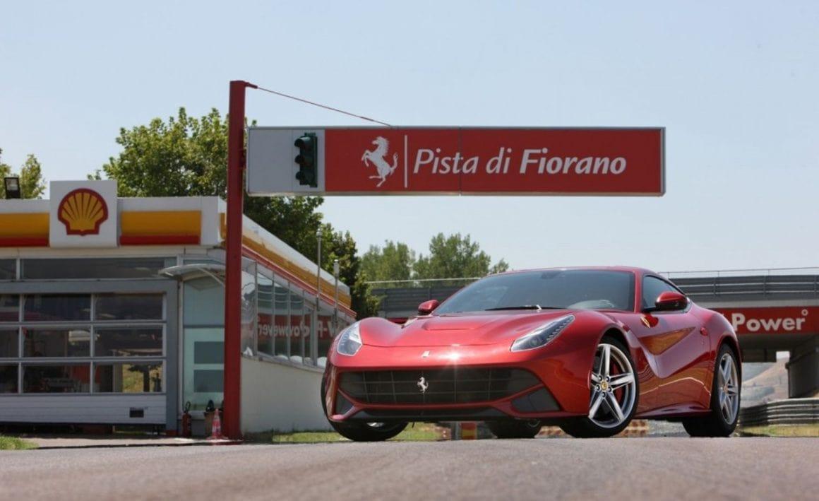 2013-ferrari-f12berlinetta_02