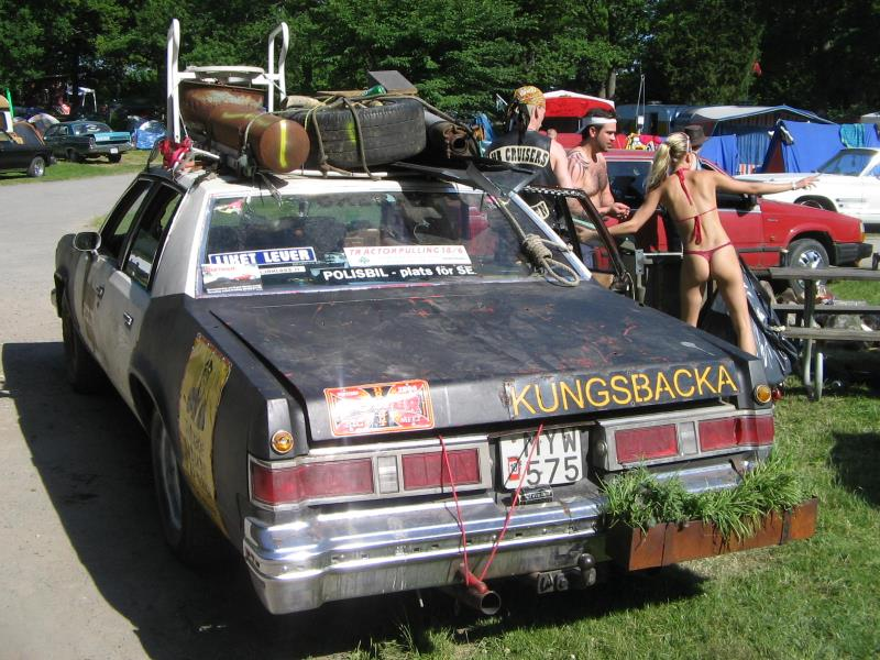 fake_police_car_at_power_big_meet_2005_2
