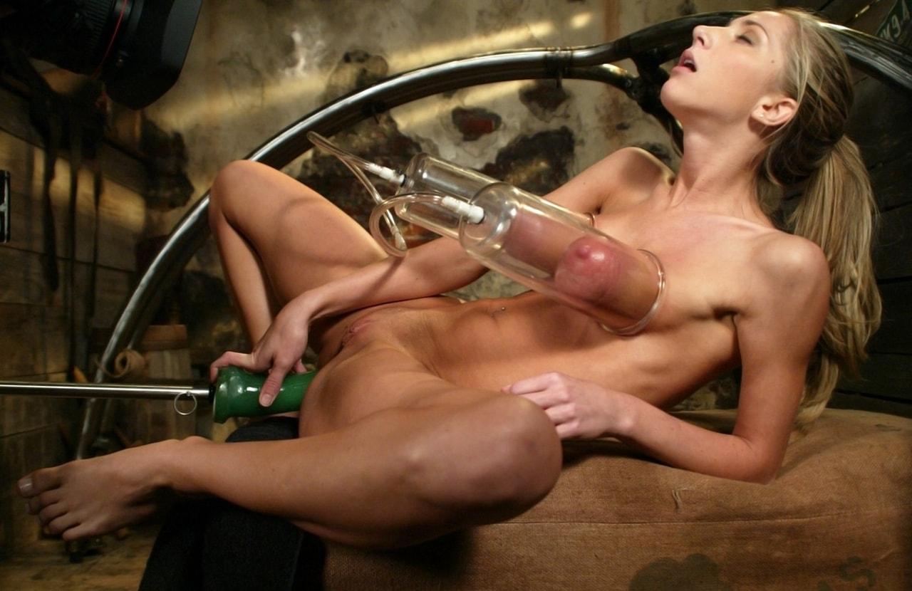 Девушки Испытывают Секс Машину Порно