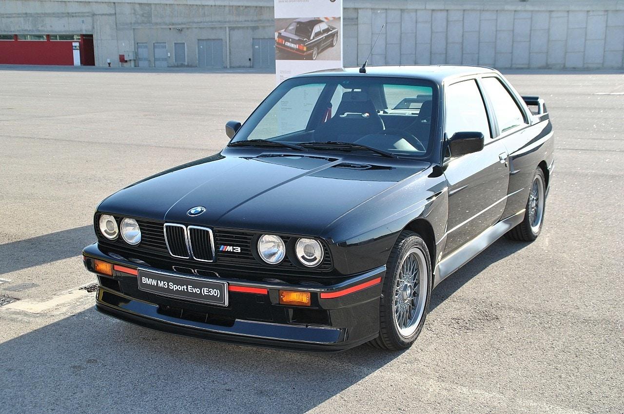 18-bmw-m3-e30-sport-evo-2-1990