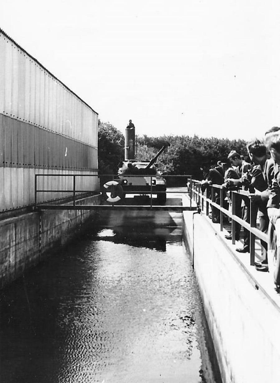 17-leopard-pare-a-plonger-km-1971