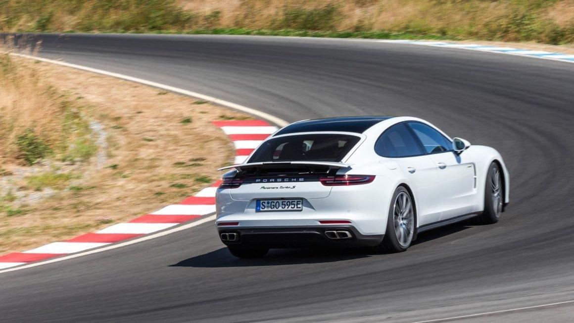 25-porsche-panamer-turbo-s-e-hybrid-action-rear-2017